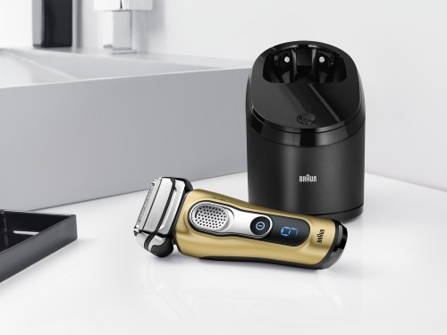 Braun_Series 9_gold__FC Bayern M++nchen Edition_Clean&Charging Station.jpg