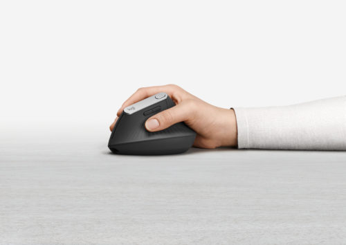HighResolutionJPG-MX Vertical Advanced Ergonomic Mouse Handshot 2-jpg